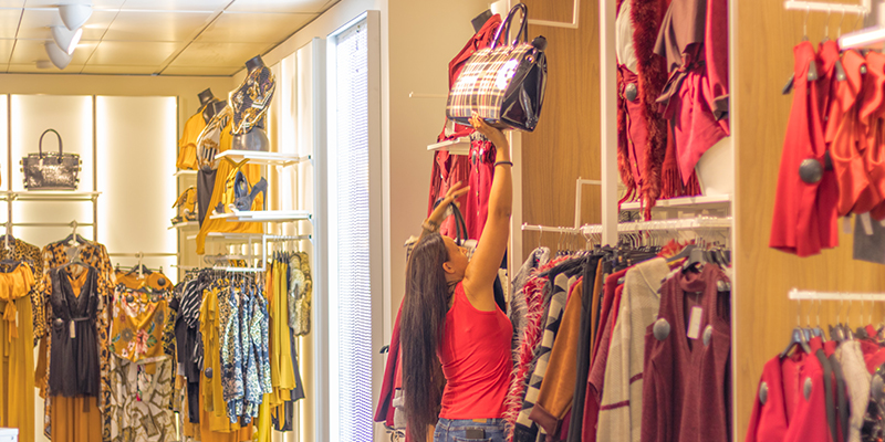Why Retailers Need A Multi Channel Retail System To Sell In Store and Sell Online